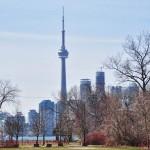 CN Tower et le centre ville de Toronto depuis Ward's island