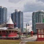 Le musée du rail (Roundhouse Park) au pied de la CN Tower de Toronto