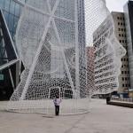 La sculpture en treillis métallique fait plus de 10 mètres de haut !