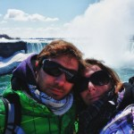 Petit selfie devant les chutes (canadiennes) du Niagara
