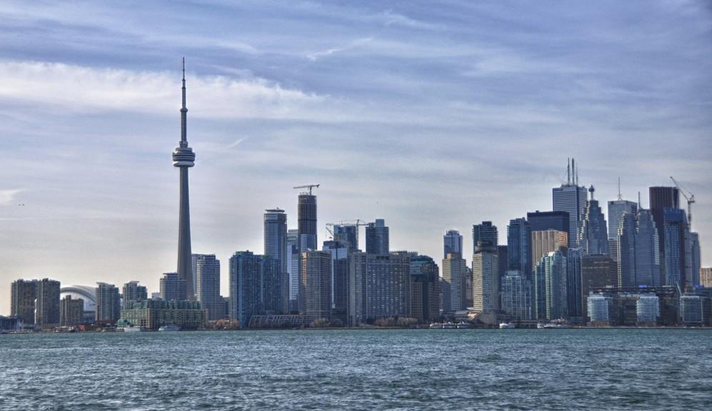 La skyline de Toronto depuis l'île de Ward's...