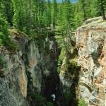 Les gorges du Canyon Maligne, parfois profondes de 50 mètres