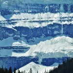 Détail d'une partie du glacier Columbia dans les Rocheuses Canadiennes