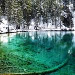 Les eaux incroyablement turquoises des Grassi Lakes