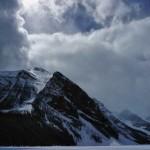 Ciel ténébreux sur le lac Louise... au printemps !