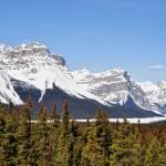 En arrivant sur le Lac Hector au début de la route des Glaciers