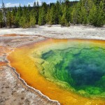 Un cercle chromatique quasi parfait, c'est l'incroyable Morning Glory Pool (Upper Geyser Basin)