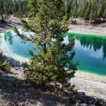 La fonte des glaces n'étant pas achevée, les lacs de la vallée ne sont pas encore tous remplis