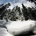 Couche de neige encore épaisse au-dessus du Lake Louise