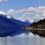 Un aperçu du Moose Lake depuis le train - Colombie-Britannique