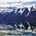 Reflets sur le lac de Yellowhead en Colombie-Britannique