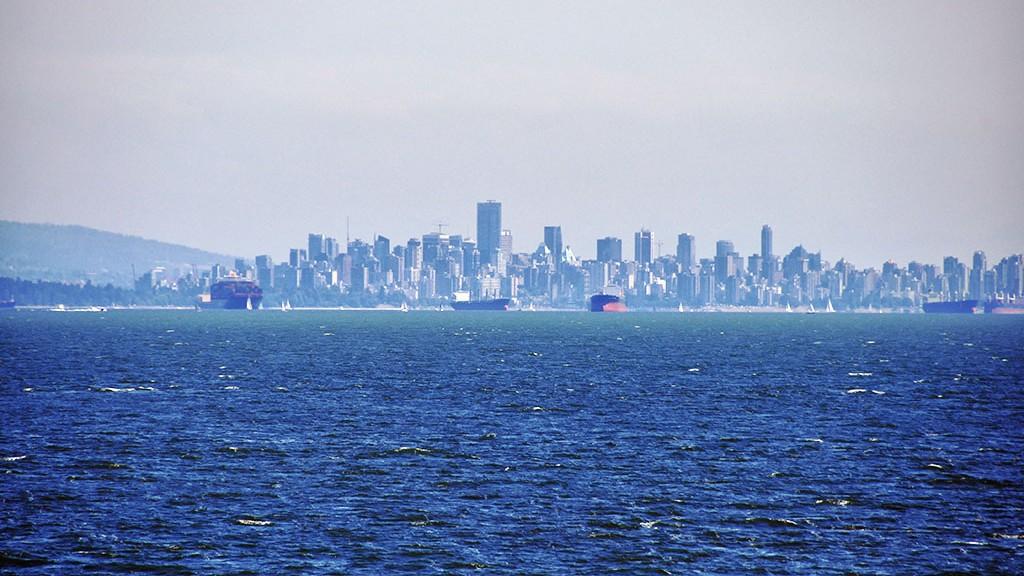 La skyline de Vancouver depuis le ferry pour Nanaimo sur Vancouver Island