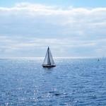 Petit voilier sur le lac Ontario à 2 pas de Toronto